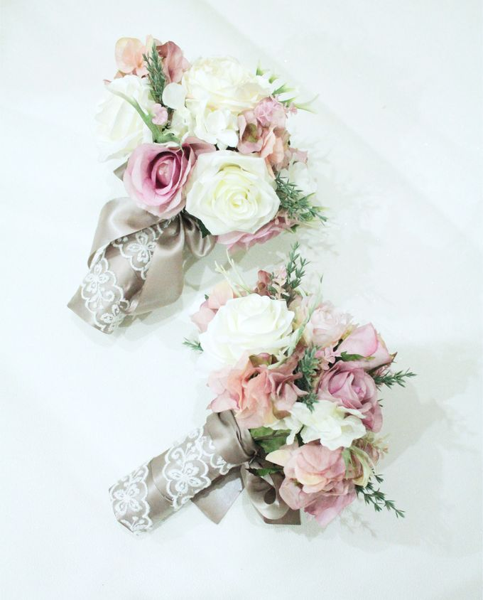 Natural Pink Bridesmaid handbouquet by Cup Of Love Design Studio - 005