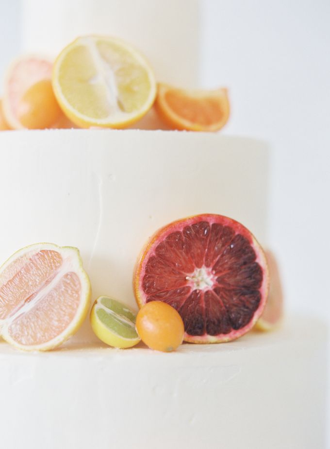 Colorful and Romantic Wedding Cake Inspiration by Jen Huang Photo - 015