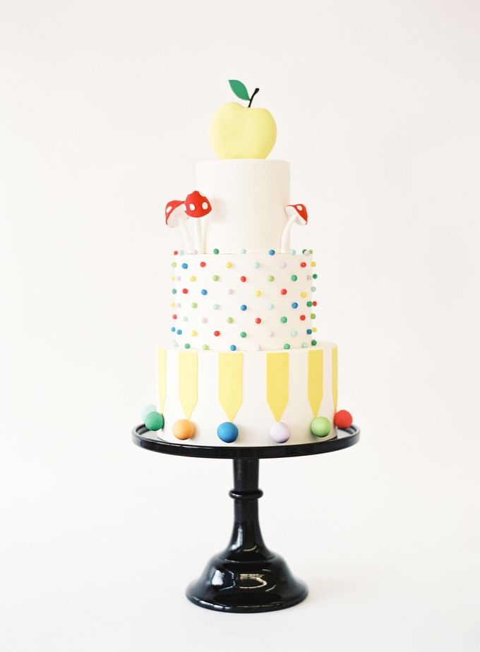 Colorful and Romantic Wedding Cake Inspiration by Jen Huang Photo - 023