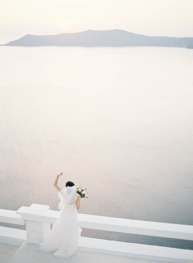 Classic and Beautiful Olive Green and Sea Blue Wedding in Santorini, Greece by Jen Huang Photo - 027