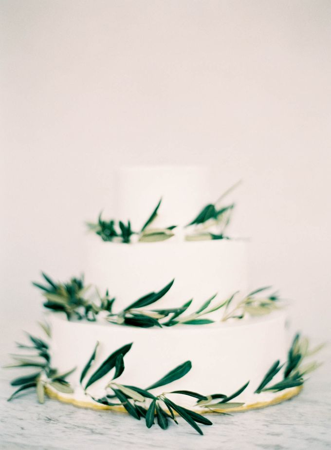 Classic and Beautiful Olive Green and Sea Blue Wedding in Santorini, Greece by Jen Huang Photo - 049