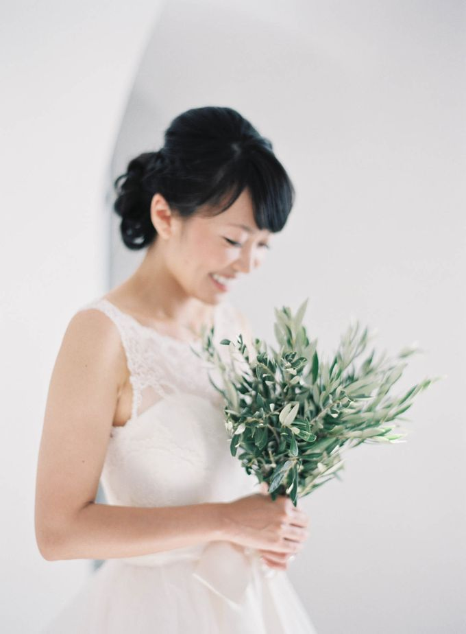 Classic and Beautiful Olive Green and Sea Blue Wedding in Santorini, Greece by Jen Huang Photo - 013