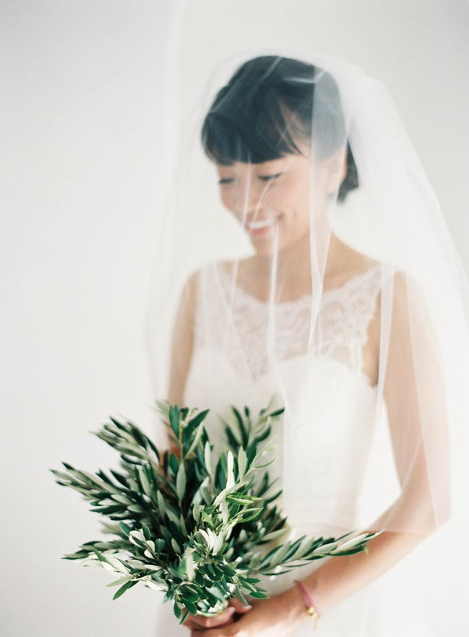 Classic and Beautiful Olive Green and Sea Blue Wedding in Santorini, Greece by Jen Huang Photo - 015