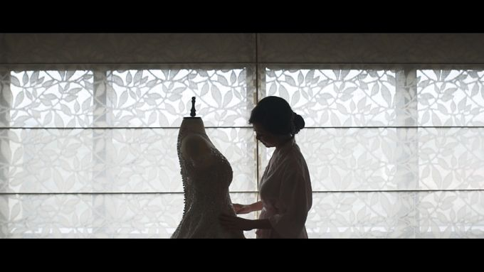 City of Dreams - A Manila Wedding by Sanchi Cinema - 002