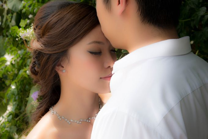 Bridal Makeup and Hairstyling for Pre-Wedding Shoot - Elegant, Youthful and Natural by Sylvia Koh Makeup and Hairstyling - 005