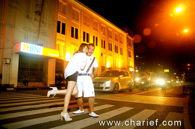 7 Foto Pre Wedding Outdoor Dg Baju Kebaya Bridal Dg Lensa: FOTO PREWEDDING ELYAS NANA Di Nol KM JOGJA By Ch Arief