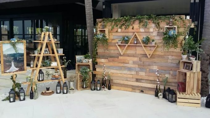 Rustic Backdrop Photobooth By It S True Wedding Planner