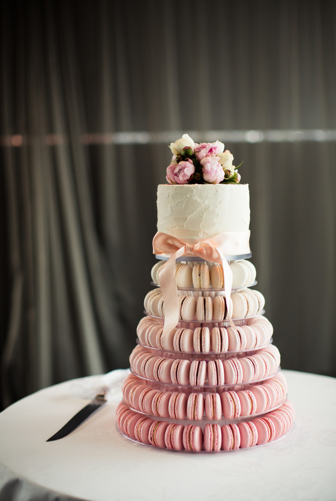 cheese tower wedding cake sydney ivan and aileen s springtime wedding at sydney harbour 12585